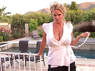 Kelly Madison wants surrounding make a lover's mammoth load of shit stiff