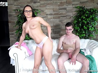 Ill-lit porn superstar Wendy Moon teases a guy with her ass and pussy