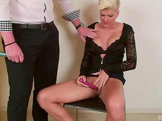 Short haired blonde MILF Scarlet Young sucks and rides a big fat cock