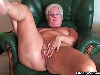 Sputter butt granny Sandie spreads old pussy (compilation)