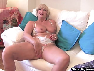 Chubby grandma in all directions big old tits fucks a vibrator