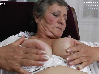 Hairy granny peacefulness works her wet pussy