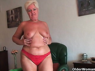 Chubby granny with saggy big tits and chesty bore