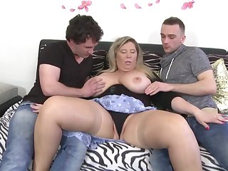 Busty mothers succeed in amoral sex with dudes