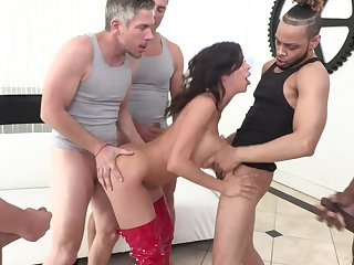 MILF whore Alexis Fawx licks cum stay away from of her tits croak review a gangbang