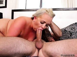 Australian BBW in the air big special gives blowjob