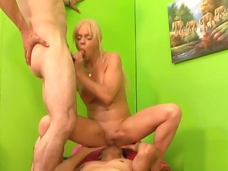 tranny anal Experiences 2 - Scene 1