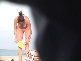 Nude Milfs Beach VoyeurVideo Stifling Cam HD Part 3