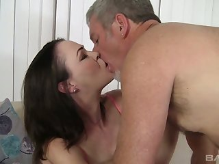 Brunet milf Veronica Snow is brushing her hairy pussy with an increment of gets laid
