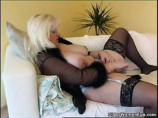 Chubby housewife in stockings plays yon new sex knick-knack