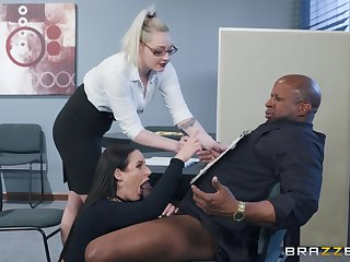 Angela White spreads her legs for a friend's outrageous dick seascape