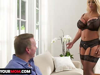 Mouth watering weighty breasted MILF Alura TNT Jenson gets her twat stretched