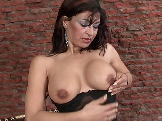 Interesting mature can't wait to put black dildo take will not hear of wet pussy