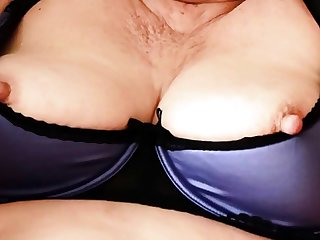 Mature Stute Gebieter Reveals Say no to Saggy Tits