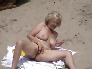 Voyeur - Sex on Nude Lido