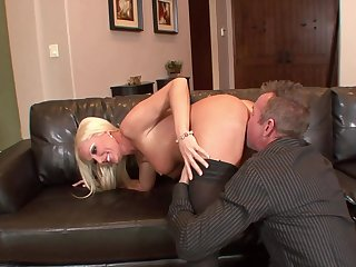 Cougar bends over for the neighbor and enjoys his dick fully