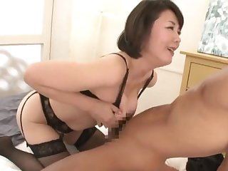 Asian mommy has fun with overconfident youngster