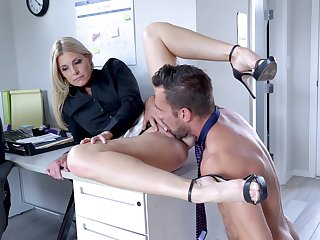Cissified boss calls in the extreme guy for a bit of sex