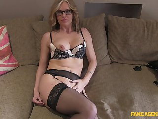 Mature blonde Summer Rose encircling glasses fucked on the fake casting