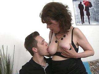 Mature amateur Harrietta on every side nylon stockings fucked by her neighbor