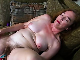 USAwives Hot Matures From America In Solo Action