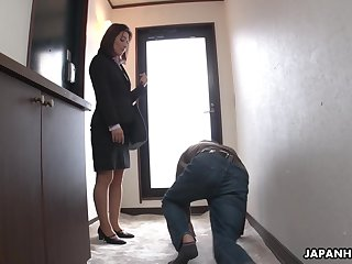 Strict Japanese MILF chief honcho facesits her submissive employee