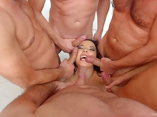 MILF Belle Francys on say no to knees getting mouth fucked by a couple of men