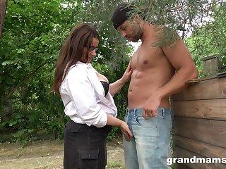 Sexy mature plumper grabs cock and sucks it greedily wide the non-private