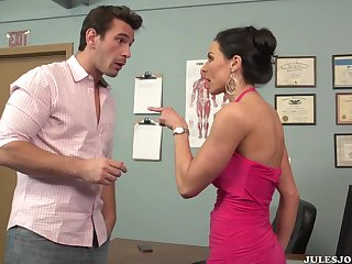 Big-Breasted Milf Likes To Be Pounded Hard - Kendra lust